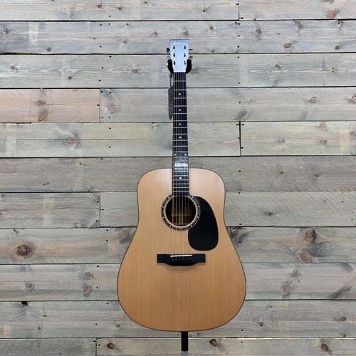 Eastman E2D-CD Cedar Top Dreadnought